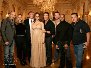 Witnesses Corroborate Natasha Stoynoff's Trump Attack Story People Natasha Stoyoff (second from left) with Donald Trump and Melania Trump at Mar-a-Lago with the PEOPLE photo crew in December 2005 // Troy Word