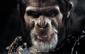 planets-of-the-apes-2001-09-4